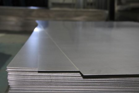 Sheet made of titanium